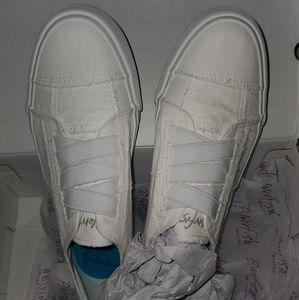 Blowfish Marley white canvas shoe